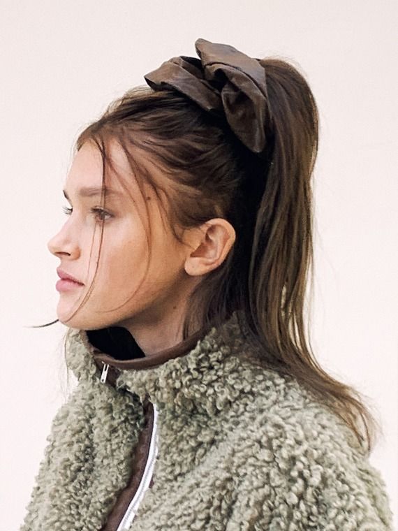 [바로배송][이사배착용] MEG LEATHER SCRUNCHIES (3 COLORS)